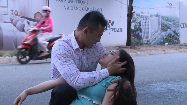 """""""Không lối thoát"""" tập 17: Vợ Minh - Lương Thế Thành sốc khi thấy chồng đi với bồ nhí, bị xe tông sảy thai - Ảnh 7."""