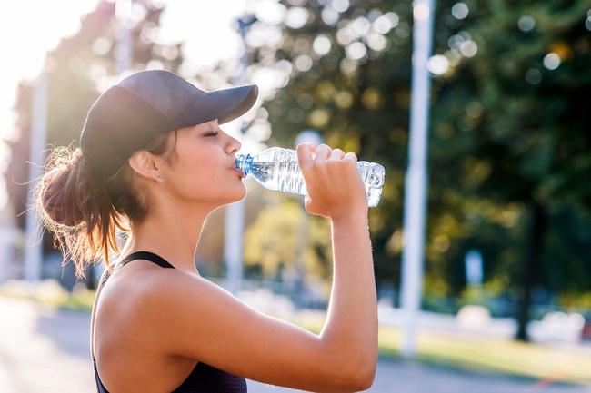 5 lý do không ngờ khiến bạn cũng tập luyện, ăn kiêng như ai nhưng mãi chẳng gầy đi - Ảnh 1.