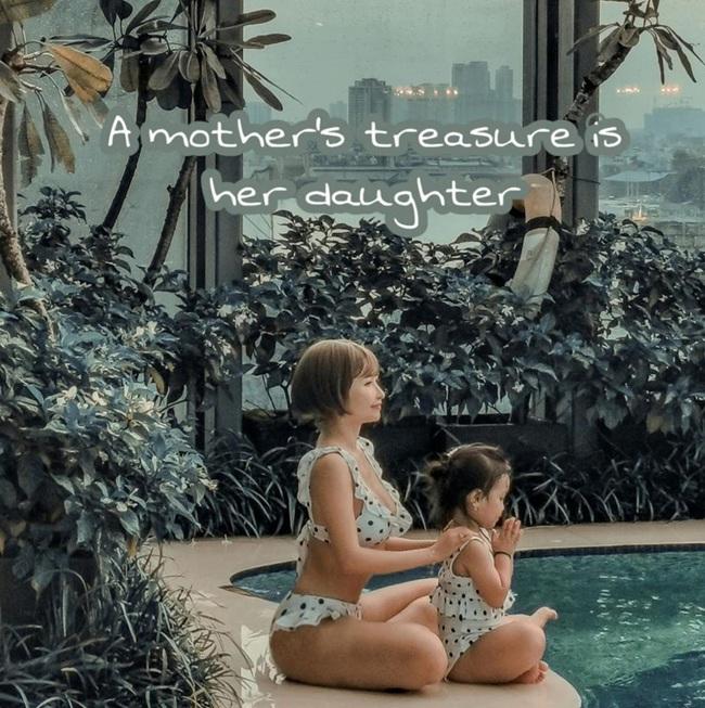"""Mina Phạm vợ hai Minh Nhựa dù thị phi nhưng vẫn có thể là lựa chọn tham khảo của nhiều mẹ khi muốn chụp ảnh đôi """"chất lừ"""" với con gái yêu  - Ảnh 3."""