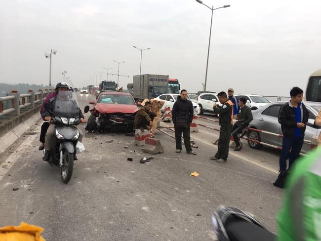 Hà Nội: Rạng sáng 2 vụ tự gây tai nạn, một người tử vong - Ảnh 1.