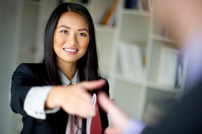Công thức viết CV đỉnh cao giúp chị em chinh phục những nhà tuyển dụng khó tính nhất - Ảnh 2.