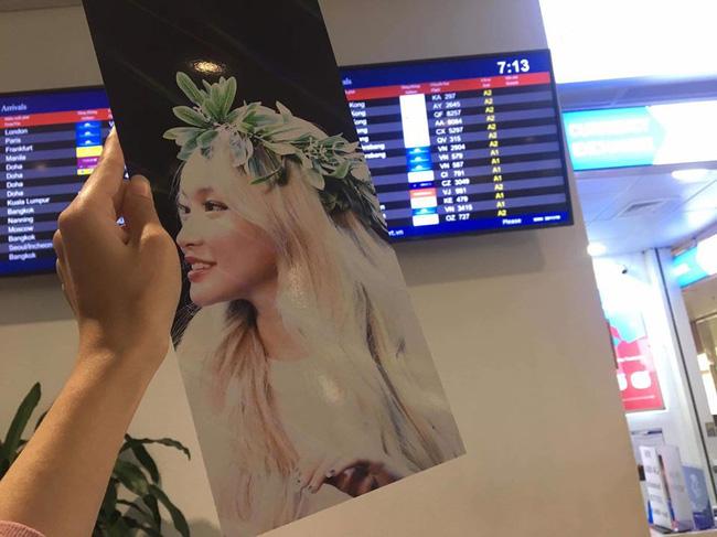 Dàn sao đình đám xứ Hàn đổ bộ sân bay Nội Bài chuẩn bị dự lễ trao giải AAA 2019: Đông đảo fan Việt tập trung như vỡ trận - Ảnh 4.
