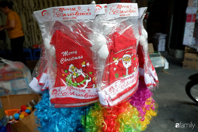Hà Nội: Muốn mua đồ trang trí Noel chỉ cần ghé Hàng Mã - Ảnh 5.