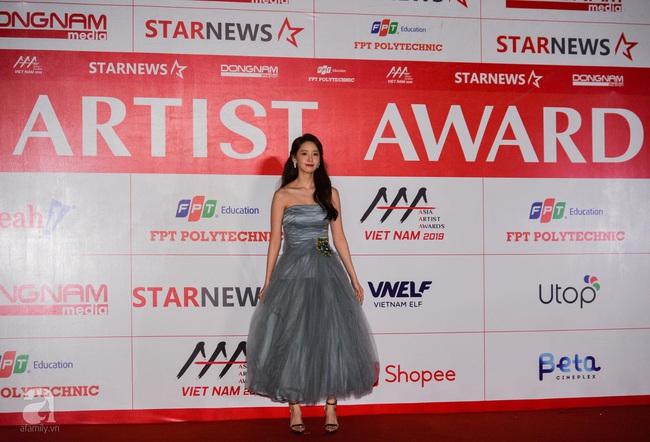 """Thảm đỏ AAA 2019 bùng nổ trong sự chào đón của fan Việt: Ji Chang Wook điển trai hết phần thiên hạ, """"tình cũ Lee Min Ho"""" Park Min Young xinh đẹp trong sắc đen - Ảnh 13."""