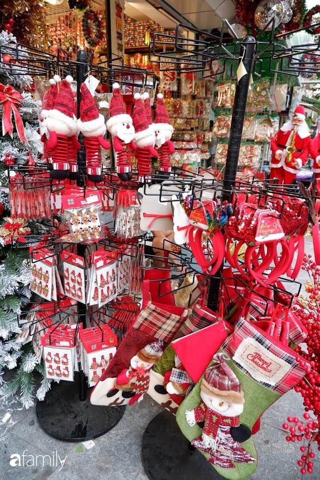 Hà Nội: Muốn mua đồ trang trí Noel chỉ cần ghé Hàng Mã - Ảnh 8.