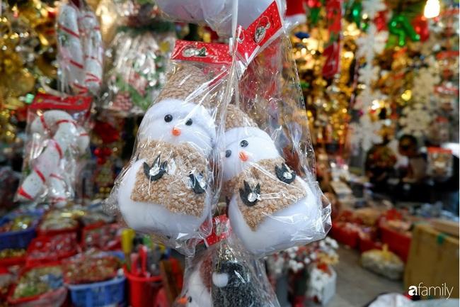 Hà Nội: Muốn mua đồ trang trí Noel chỉ cần ghé Hàng Mã - Ảnh 10.