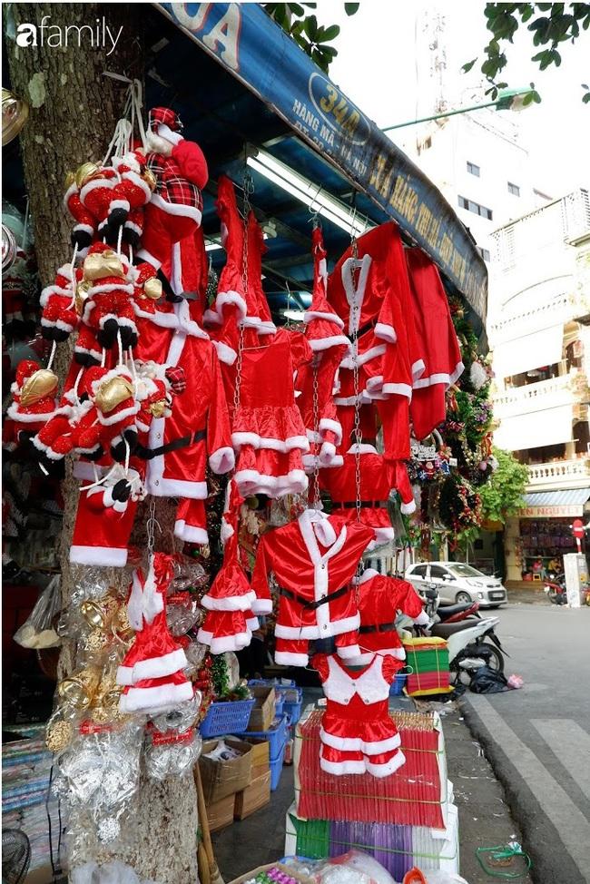 Hà Nội: Muốn mua đồ trang trí Noel chỉ cần ghé Hàng Mã - Ảnh 4.