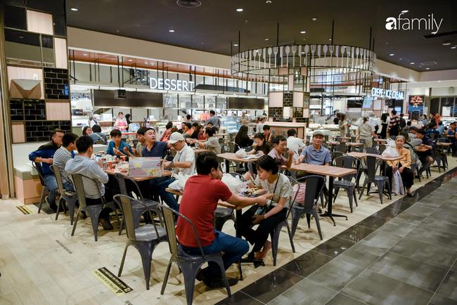 Chính thức khai trương khu siêu thị Aeon Mall Hà Đông quy mô lớn nhất miền Bắc, cả biển người bon chen mua sắm - Ảnh 14.