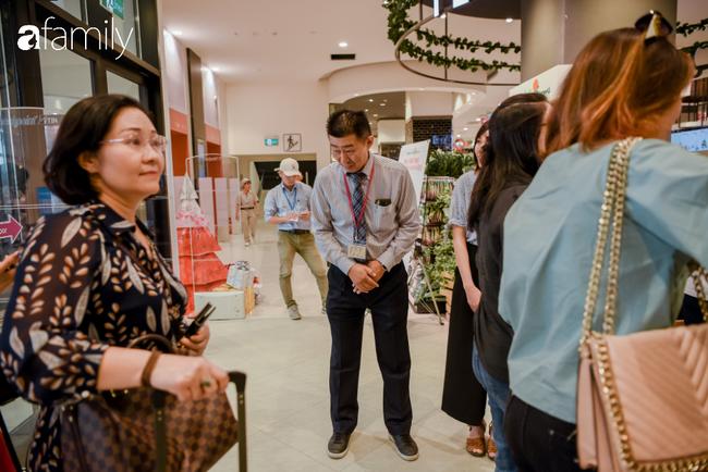 Khu siêu thị của Aeon Mall Hà Đông chính thức khai trương, người dân tìm đến gian hàng bán đồ ăn là chủ yếu - Ảnh 16.