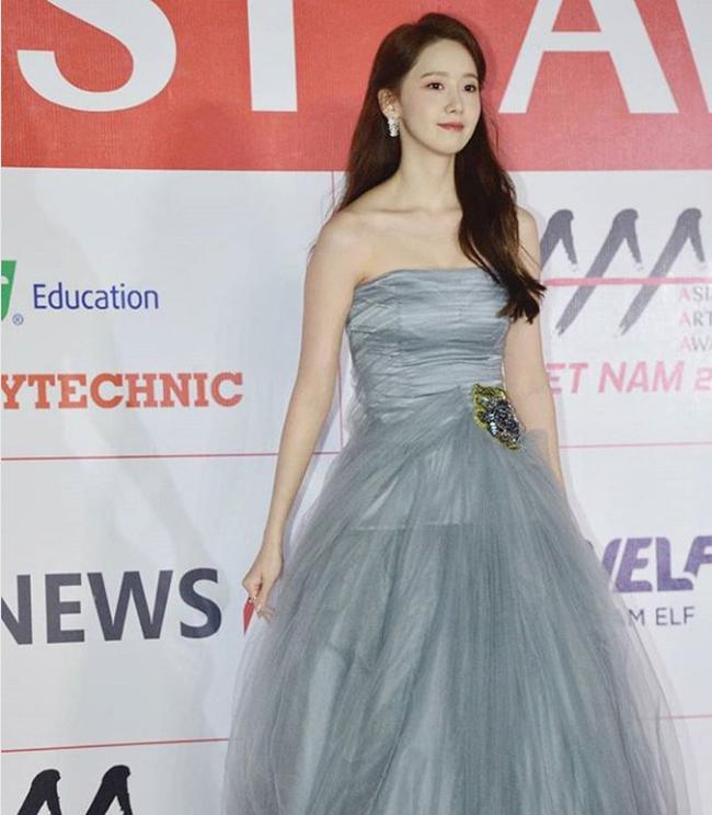 Lễ trao giải AAA 2019: Yoona xứng danh nữ thần, khiến fan vỡ òa vì quá xinh đẹp - Ảnh 4.