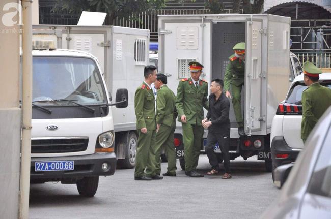 Trực tiếp phiên xét xử vụ mẹ nữ sinh giao gà ở Điện Biên và đồng phạm về tội mua bán ma túy - Ảnh 8.