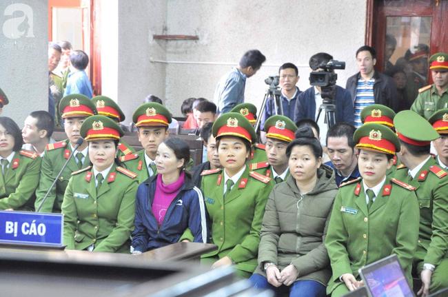 Trực tiếp phiên xét xử vụ mẹ nữ sinh giao gà ở Điện Biên và đồng phạm về tội mua bán ma túy - Ảnh 2.