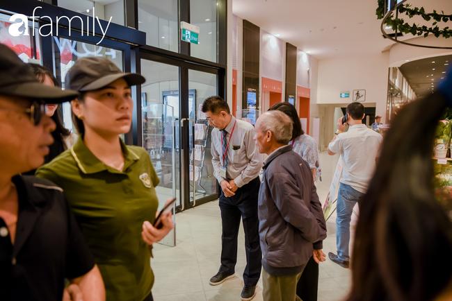 Loạt ảnh khiến bất cứ ai cũng phải thán phục trước sự chuyên nghiệp và khéo léo của người Nhật trong ngày khai trương khu siêu thị Aeon Mall Hà Đông  - Ảnh 6.