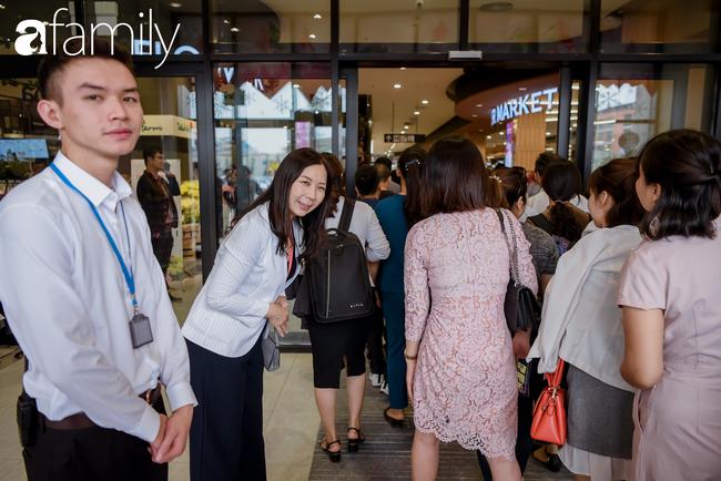 Loạt ảnh khiến bất cứ ai cũng phải thán phục trước sự chuyên nghiệp và khéo léo của người Nhật trong ngày khai trương khu siêu thị Aeon Mall Hà Đông  - Ảnh 5.