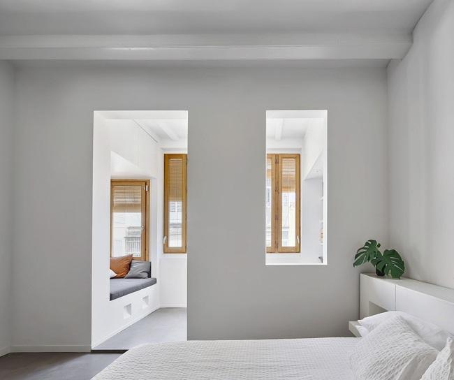 Căn hộ nhỏ tạo ấn tượng đặc biệt nhờ điểm nhấn từ tủ âm tường - Ảnh 3.