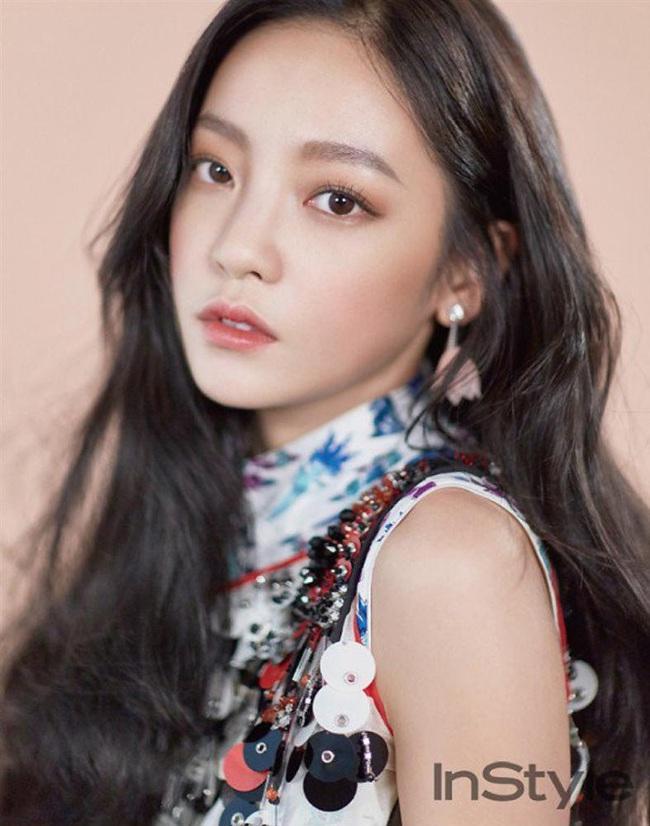 Làng giải trí Hàn Quốc 2019 nhuốm màu đen tối: Những màn đấu đá lẫn nhau hậu ly hôn liệu có bằng sự tang thương bao trùm nửa cuối năm - Ảnh 18.