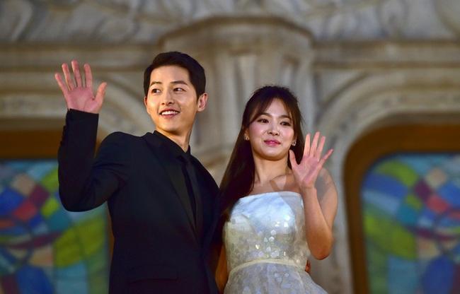 Làng giải trí Hàn Quốc 2019 nhuốm màu đen tối: Những màn đấu đá lẫn nhau hậu ly hôn liệu có bằng sự tang thương bao trùm nửa cuối năm - Ảnh 14.