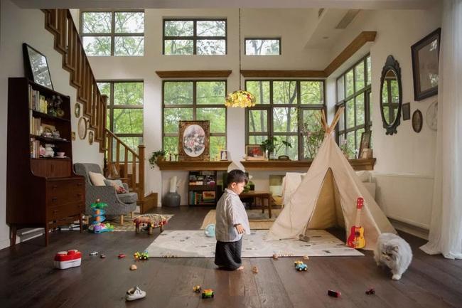 Ngôi nhà đổ nát rộng 185m2 biến thành tổ ấm dịu dàng đầy nắng và cây xanh của gia đình trẻ - Ảnh 7.