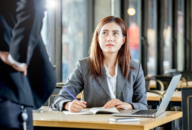 Dù phỏng vấn xin việc thất bại, cô gái trẻ vẫn được tuyển thẳng vào công ty sau một hành động bất ngờ - Ảnh 4.