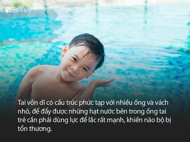 Cảnh báo: Trẻ lắc mạnh đầu để đẩy nước ra khỏi tai có thể khiến não bị tổn thương - Ảnh 2.