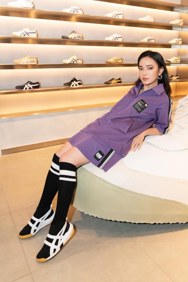 """Trở về từ Nhật Bản sau tin đồn """"hẹn hò"""" Hoàng Thùy Linh, Gil Lê xuất hiện với gu thời trang cực cá tính - Ảnh 4."""