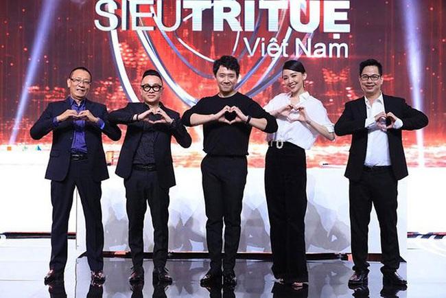 """Loạt show truyền hình Việt """"gây bão"""" trong năm 2019: Chạy đi chờ chi, Người ấy là ai, Siêu trí tuệ thi nhau oanh tạc - Ảnh 11."""