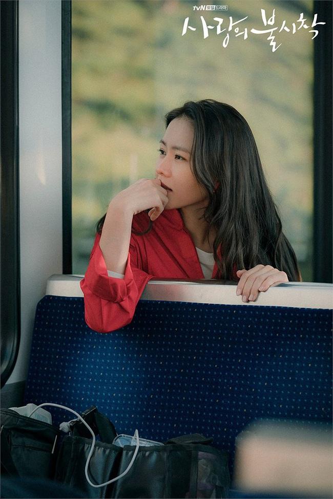"""Phim chưa lên sóng, Hyun Bin và Son Ye Jin đã """"tung thính"""" với loạt thoại sến chảy nước - Ảnh 9."""