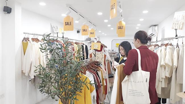 Black Friday: Chẳng cần tìm kiếm đâu xa, cứ ra đường là thấy cả loạt store thiết kế Việt sale toàn 50 - 70% chứ không ít - Ảnh 12.