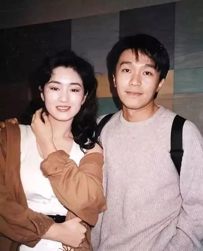 """Nhìn lại loạt ảnh tuổi 20 của Củng Lợi, người từng được giới báo chí nước ngoài gọi là """"người phụ nữ đẹp nhất phương Đông"""" - Ảnh 14."""