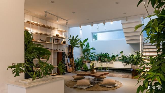 Căn nhà phố trong lành và duyên dáng với cây xanh thân thiện của cặp vợ chồng mới cưới ở TP Đà Nẵng - Ảnh 6.