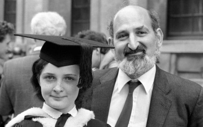 Nhìn lại cuộc đời thần đồng Ruth Lawrence, nhiều cha mẹ giật mình tỉnh ngộ: Chẳng mong con thành thiên tài, chỉ cần một đời bình an là đủ - Ảnh 5.