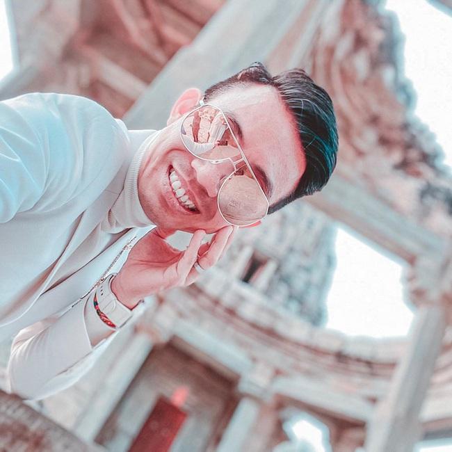 Đại gia Minh Nhựa sắp lên chức ông ngoại vẫn điềm nhiên khoe ảnh selfie, tự nhận mình ngày càng trẻ đẹp khiến dân mạng choáng váng - Ảnh 1.
