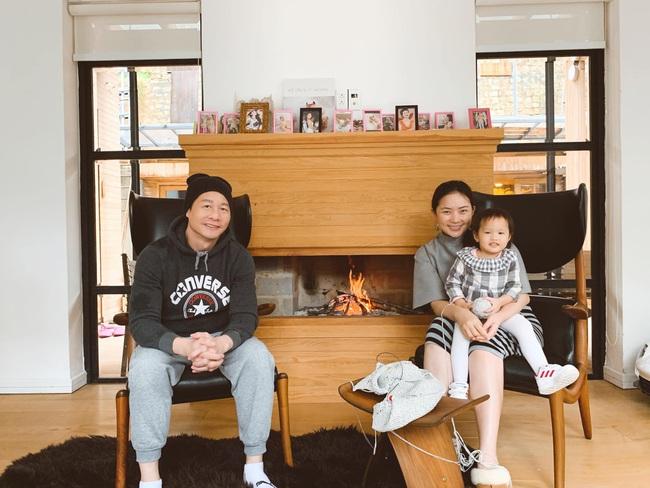 Con gái ở khủng hoảng tuổi lên 3, ông xã đại gia của Phan Như Thảo bực bội la mắng, phản ứng của cô bé mới hài hước - Ảnh 5.