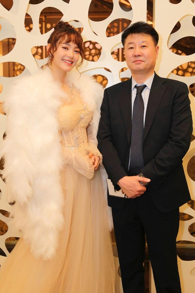"""Minh Hằng hạnh phúc khi bất ngờ nhận giải """"Nghệ sĩ Châu Á xuất sắc"""" tại """"Mai Vàng"""" của Hàn Quốc - Ảnh 8."""