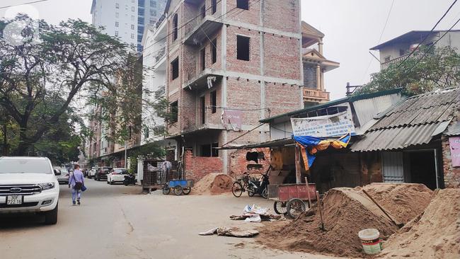 Chung cư cao cấp 2 năm chưa có sổ đỏ ở Hà Nội: Không được bán nhưng vẫn chào hàng rầm rộ - Ảnh 3.