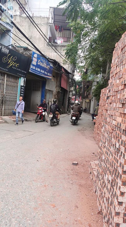 Chung cư cao cấp 2 năm chưa có sổ đỏ ở Hà Nội: Không được bán nhưng vẫn chào hàng rầm rộ - Ảnh 2.