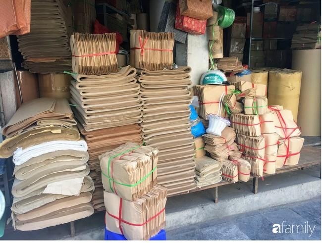 Có nhu cầu mua túi giấy, hộp giấy với đủ loại kích cỡ bên hãy ghé ngay con phố này ở Hà Nội - Ảnh 3.