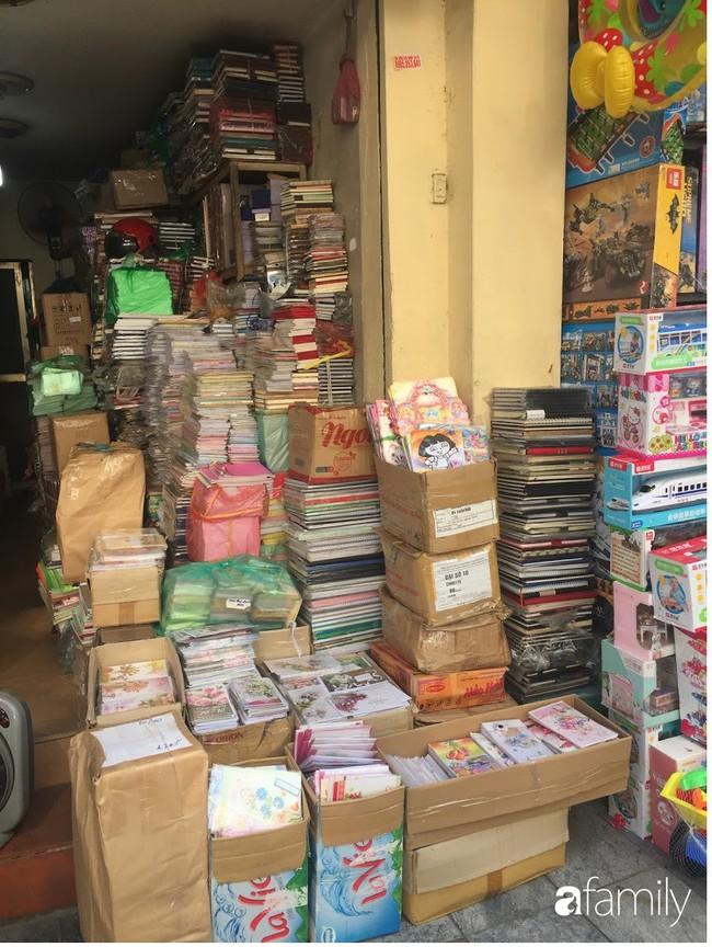 Có nhu cầu mua túi giấy, hộp giấy với đủ loại kích cỡ bên hãy ghé ngay con phố này ở Hà Nội - Ảnh 16.