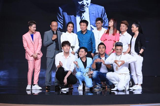 """""""Ký ức vui vẻ"""": MC Lại Văn Sâm tố Hồng Nhung làm lố sóng trực tiếp đón giao thừa  - Ảnh 2."""