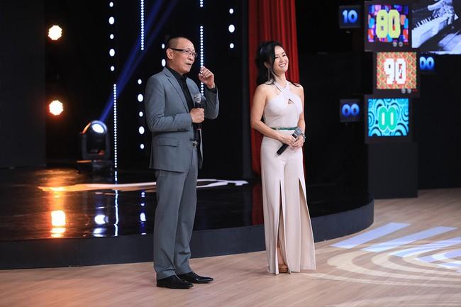 """""""Ký ức vui vẻ"""": MC Lại Văn Sâm tố Hồng Nhung làm lố sóng trực tiếp đón giao thừa  - Ảnh 7."""