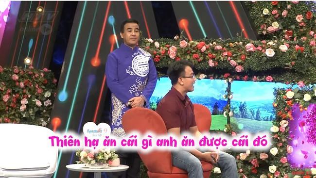 """""""Bạn muốn hẹn hò"""": Cô gái gốc Hoa """"gây lộn"""" từ MC tới quay phim, đòi rút móng bạn trai nếu còn đi bia ôm - Ảnh 18."""