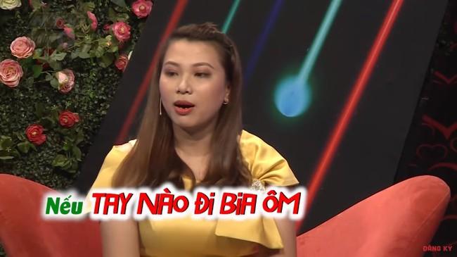 """""""Bạn muốn hẹn hò"""": Cô gái gốc Hoa """"gây lộn"""" từ MC tới quay phim, đòi rút móng bạn trai nếu còn đi bia ôm - Ảnh 7."""