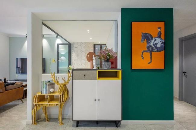 Căn hộ 89m2 đẹp như tranh vẽ của gia chủ yêu những màu xanh - Ảnh 2.