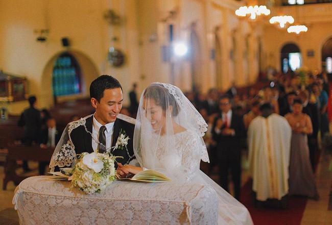 """Đến bây giờ, bí mật về chiếc váy cưới của Hà Tăng từ 7 năm trước mới khiến dân tình """"ngã ngửa"""" - Ảnh 1."""