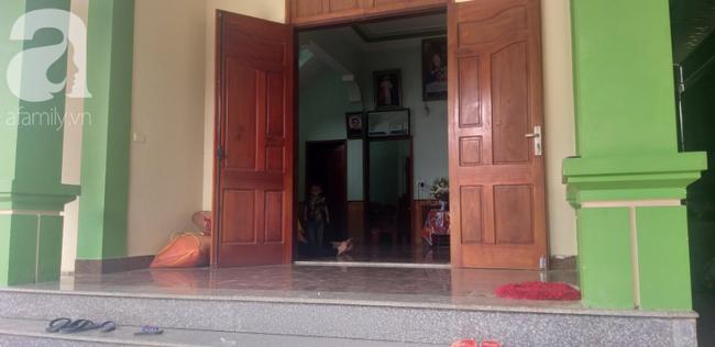 Ngôi nhà được người cha xây trước khi mất, gia đình đã cắm sổ để con gái đi nước ngoài làm ăn