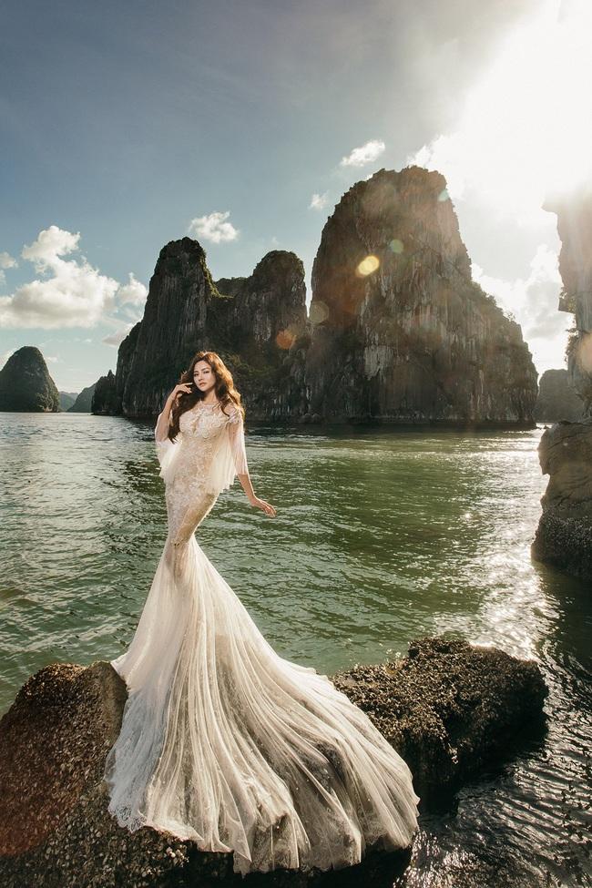 Vũ Thu Phương diện váy ôm cơ thể, khoe vóc dáng giữa thiên nhiên - Ảnh 1.