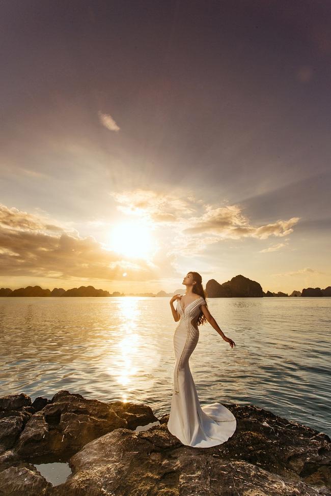 Vũ Thu Phương diện váy ôm cơ thể, khoe vóc dáng giữa thiên nhiên - Ảnh 7.