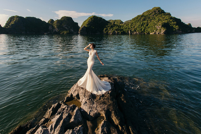 Vũ Thu Phương diện váy ôm cơ thể, khoe vóc dáng giữa thiên nhiên - Ảnh 8.