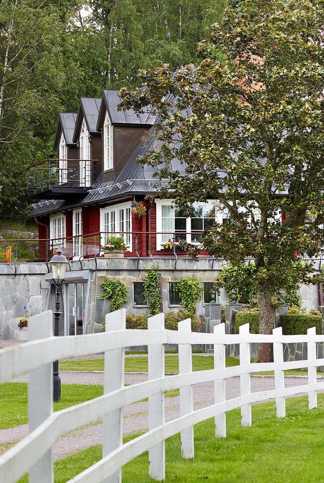 15 ý tưởng lắp hàng rào để vừa tăng cường an toàn lại vừa giúp ngôi nhà thêm phần phong cách - Ảnh 2.