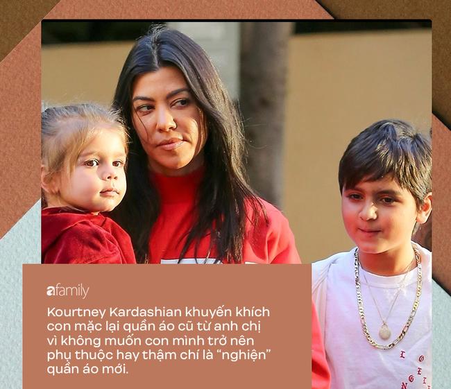 Dù bị ghét vì tai tiếng và chiêu trò bẩn nhưng trong cách nuôi dạy con, không ít người phải gật gù, tán dương gia đình Kardashian - Ảnh 2.